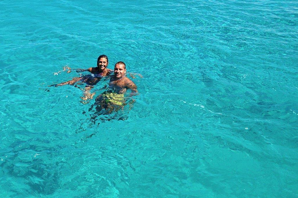 Francesco e serena nel mare di Rodi