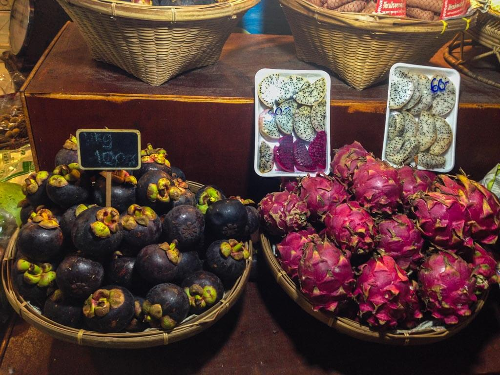 Mangosteen e dragon fruit