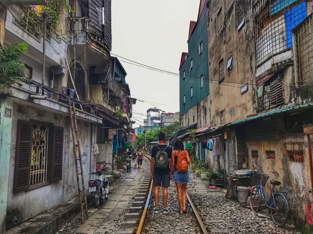 Tra i binari di Hanoi