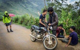 Sapa - ragazzi con la moto
