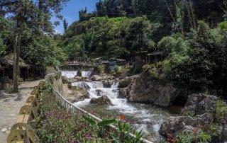 Il fiume che passa lungo la via degli artigiani