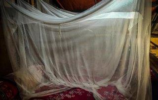 Il nostro letto nell' homestay con le zanzariere