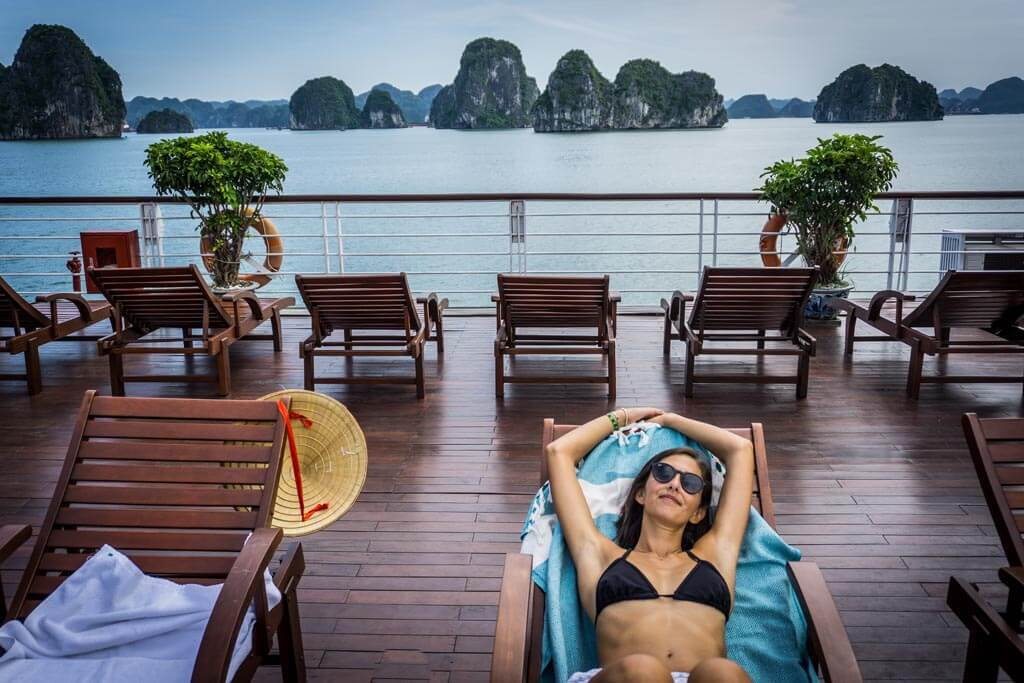 Halong Bay - relax sul pontile