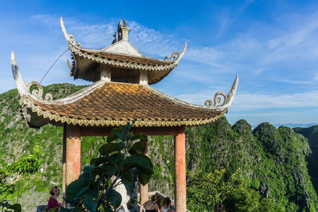 Vietnam del nord - Tempio a Mua Cave