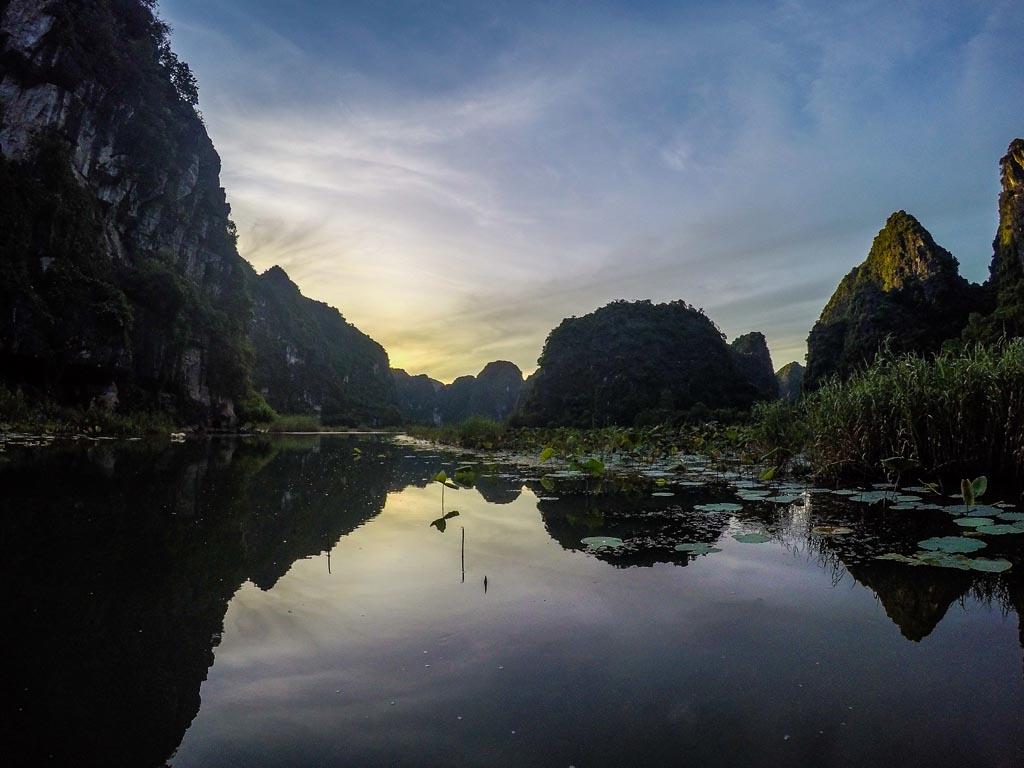 Vietnam del nord  - le prime luci dell'alba