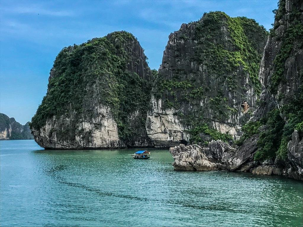 Halong Bay - isole