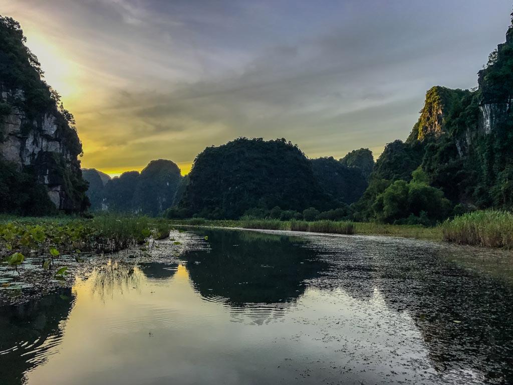Ninh Binh, Tam Coc - le prime luci dell'alba