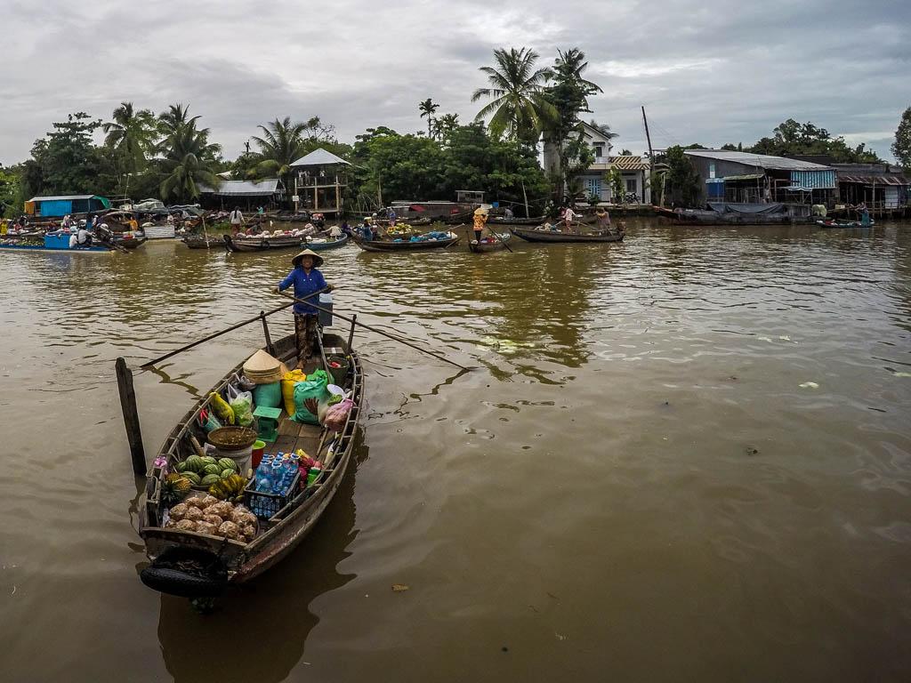 Delta del Mekong - mercato galleggiante di Cai Rang