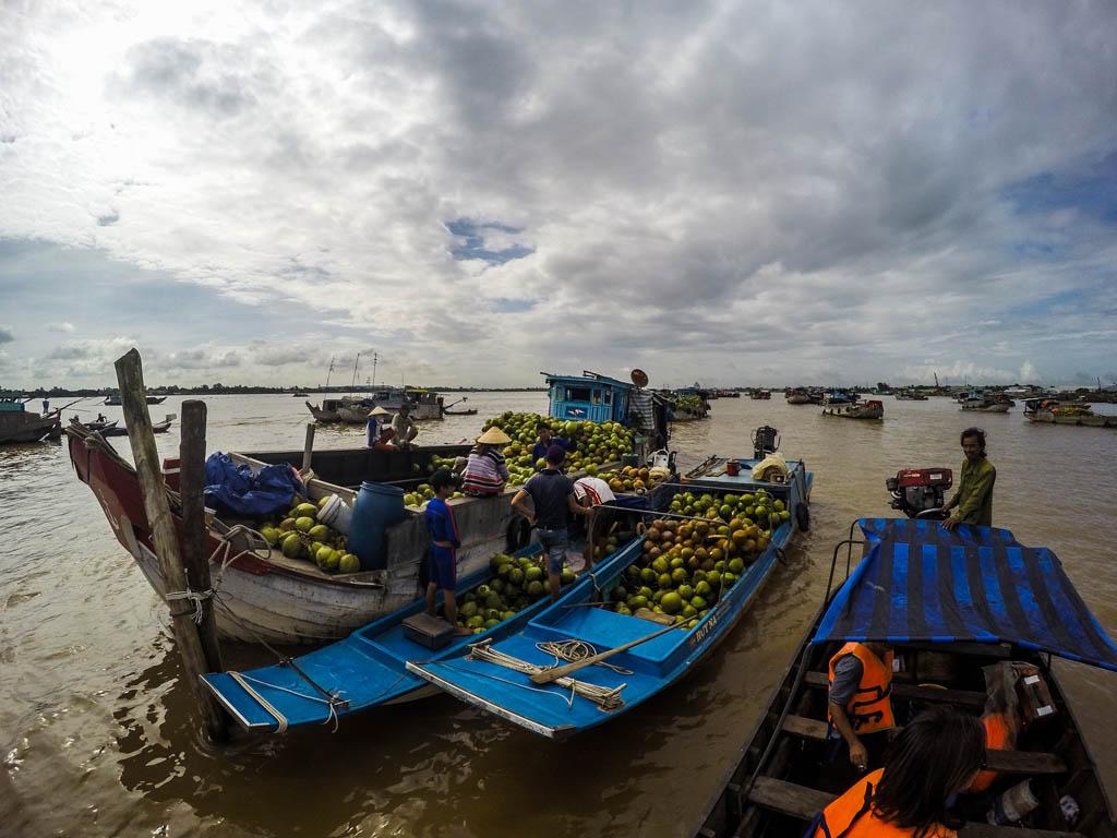 Delta del Mekong - mercato galleggiante di Long Xuyen