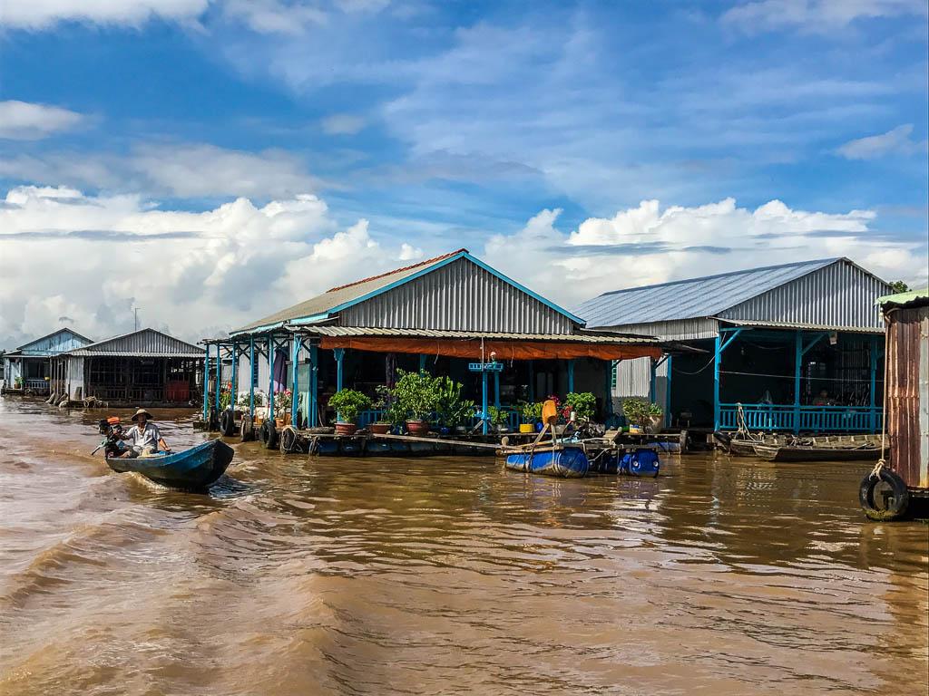 Case galleggianti sul fiume
