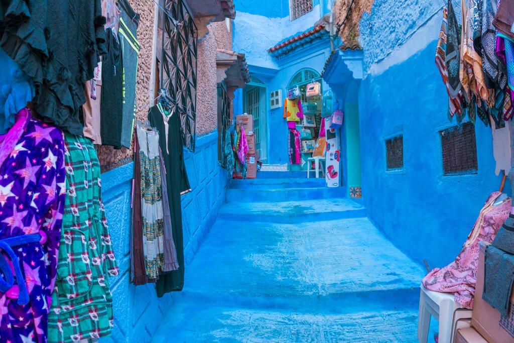Tra le vie di Chefchaouen la città blu del Marocco