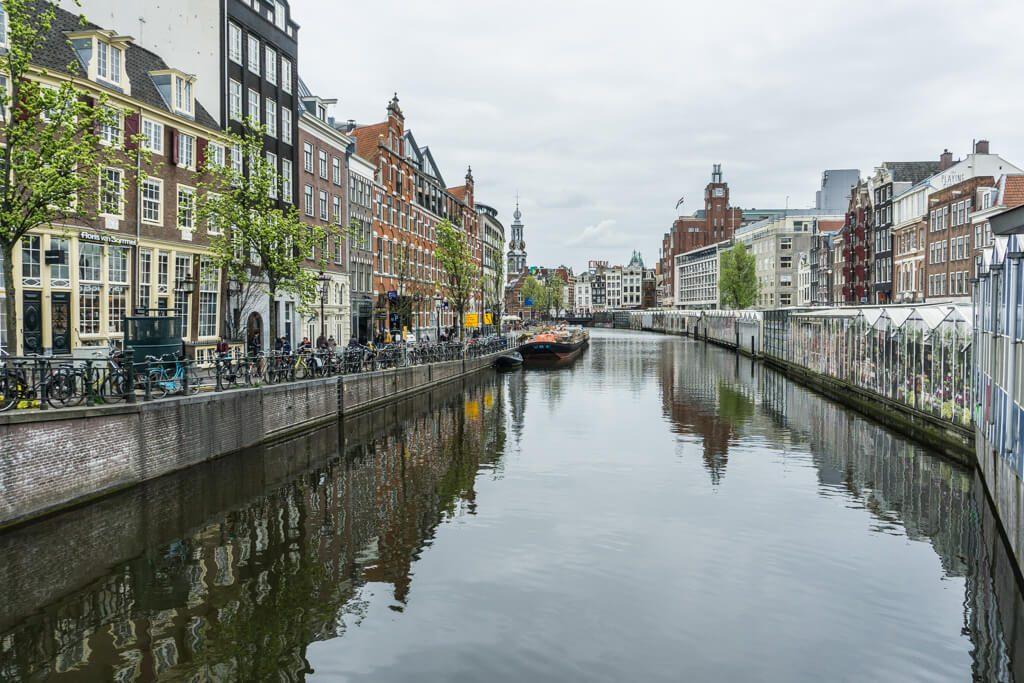 Case su un canale di Amsterdam