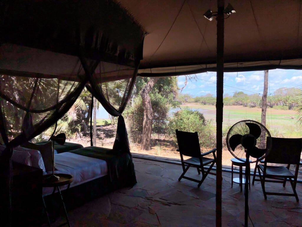 Camera e vista dell'esterno del nostro alloggio in Roho ya Selous di Asilia Africa