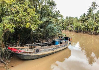 imbarcazione nel fiume